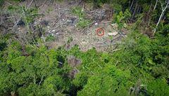 V Amazonském pralese objevili další izolovaný kmen. Odhalily ho záběry z dronu