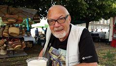 Zemřel sportovní novinář Lacina, někdejší šéfredaktor Stadiónu