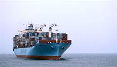 Místo Suezského průplavu přes Severní ledový oceán. Největší přepravce nákladních lodí vyzkouší novou trasu