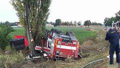 Za tragickou nehodu hasičské cisterny policie obvinila jejího řidiče. Hrozí mu až šest let vězení