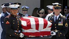 Phoenix se rozloučil se zesnulým senátorem McCainem. Zavzpomínal i bývalý viceprezident Biden