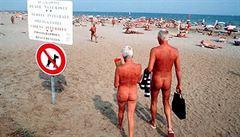 Nudisté prohráli spor o oblíbenou pláž ve Španělsku. Za vstup jim hrozí pokuta