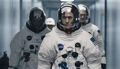 RECENZE: Dobytí Měsíce bez velkých gest. Ryan Gosling se stal Neilem Armstrongem