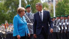 Merkelová přivítala Babiše s vojenskými poctami. Spory o přerozdělování uprchlíků přetrvávají, shodli se