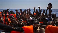 Amnesty a Oxfam: EU je spoluodpovědná za týrání a násilí vůči migrantům v Libyi