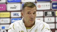 Do Česka jedeme pro body, oznamuje bývalý snajpr Milánu na lavičce Ukrajiny Ševčenko