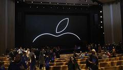 Apple se stal první americkou firmou, jejíž tržní hodnota přesáhla dva biliony dolarů
