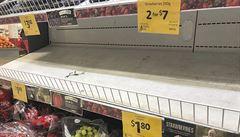 Nejen jahody. Jehly se objevily v dalších druzích ovoce, farmáři se zbavují plodů po tunách