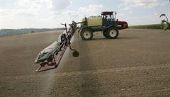 Nebezpečný herbicid je všude. Stát zakročí, zakáže plošnou aplikaci