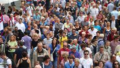 Počet obyvatel Česka za devět měsíců stoupl na 10,68 milionu. Zejména kvůli zahraniční migraci