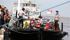 Při požáru trajektu zemřelo u indonéské Jakarty 23 lidí
