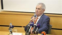 Prezident Zeman udělí vyznamenání učitelce za záchranu dětí při nehodě
