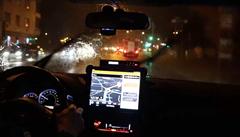 VIDEO: Moment, kdy dorazila bouře Fabienne do Prahy, pohledem pražských hasičů