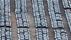 Evropa je plná zlevněných aut. Dealeři se snaží udat desítky tisíc ,přebývajících' kusů