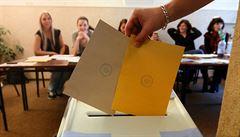 Velký manuál pro voliče. Jak křížkovat, kdy vyřídit voličský průkaz a kde hledat svoji volební místnost?