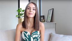 VIDEO: Známá youtuberka Týnuš Třešničková utrpěla popáleniny při kulinářském představení v Istanbulu