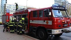 Do kolejiště metra v Praze spadl člověk, provoz byl po necelé hodině obnoven