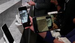 Prodej smartphonů v ČR ve 3. čtvrtletí klesl na 1,11 milionu, nejprodávanější značkou zůstává Samsung