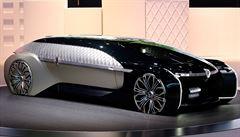Češi mají k autonomním autům pokrytecký přístup. Ať posráží dav, pokud zachrání naše dítě