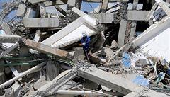 Bilance indonéského zemětřesení stoupá a vzpomínka na popravené Čechy v Žytomyru