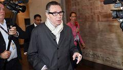 Francouz, kvůli kterému se letos neudělí Nobelova cena za literaturu, byl odsouzen ke dvěma rokům za mřížemi