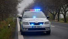 Opilý motorkář ujížděl v Žirovnici policii, potom policejní auto naboural