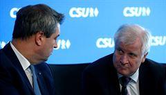 Bavorsko je epicentrum. Přívalová vlna může spláchnout i Merkelovou, píší v Německu