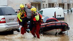 Bleskové záplavy ve Francii. Silné deště na jihu země si vyžádaly nejméně třináct mrtvých