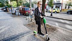 Švýcarsko chce zakázat elektrokoloběžky Lime. Během jízdy se jim uzamykají brzdy