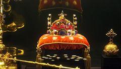 Senátor Valenta si našel nové téma: požaduje návrat části gotických korunovačních klenotů