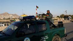 Pumový útok na autobus na západě Afghánistánu si vyžádal 34 obětí, k činu se zatím nikdo nepřihlásil