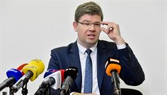 Spor kolem bytů je první vážnou krizí pražské koalice, míní Pospíšil