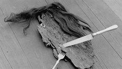RECENZE: Výstava Emily Medkové. Skleněné oko, vlasy a vidlička