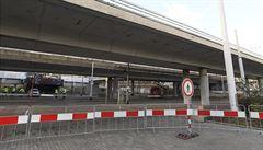Nebezpečný most v Praze zajistí před zbořením Hochtief. Rodící se koalice řeší novou cestu přes řeku