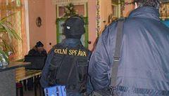 Rekordní úlovek. Celníci zadrželi v letadlech z Číny látky na výrobu drog za miliardy korun