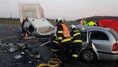 Během víkendu a vánočních svátků zemřelo na silnicích nejméně 12 lidí