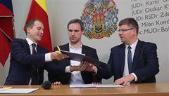 Pražští zastupitelé budou jednat o vlivu Číny na Prahu, ODS naštval status Pirátů s rudou chobotnicí