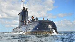 Pátrači nalezli v 800metrové hloubce ztracenou argentinskou ponorku. Zhroutila se sama do sebe