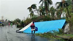 Přes 30 mrtvých za sebou nechal ničivý cyklon v Indii. Tisíce lidí před bouří utekly