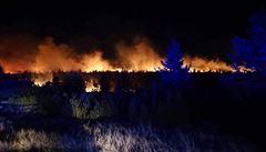 Za rozsáhlým požárem v Krkonoších je zřejmě něčí nedbalost. Hořela louka u pramene Labe