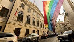Poslanci řeší manželství pro homosexuály. 'Je to zásadní pro stejnopohlavní páry, pro jejich děti'