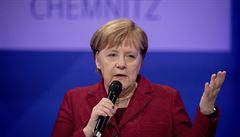 Merkelová uznala, že vláda v migrační politice udělala chyby