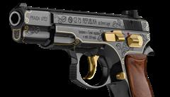 Pistole je geniální dárek pro Trumpa, míní bývalý velvyslanec ve Washigtonu Petr Kolář