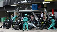 Brexit může poškodit britský motorsport a zvýhodnit Ferrari, obává se šéf Mercedesu