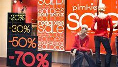 Výprodeje na černý pátek zvýšily obchodům tržby o desítky procent