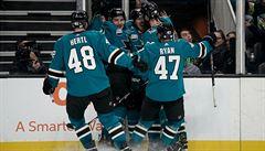 Kaše a Hertl vstřelili v NHL vítězné góly, Šimek poprvé bodoval