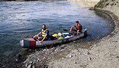 'Pár vteřin po startu jsme se málem převrátili'. Dva Češi spluli řeku Yukon, chtěli se přiblížit zlaté horečce