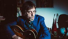 RECENZE: Neokázalá virtuozita Justina Lavashe vyniká na jeho sólovém albu