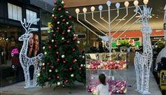 'Taková hanba musí být odstraněna.' Vánoční strom v nákupním centru vyvolal v Izraeli pozdvižení