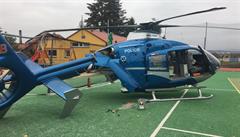 Při záchranné akci havaroval vrtulník. Zraněný muž musel být transportován autem